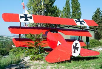 - - Germany - Air Force Fokker DR.1 Triplane (replica)