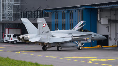 J-5001 - Switzerland - Air Force McDonnell Douglas F/A-18C Hornet