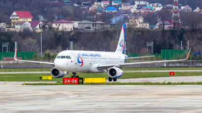 VP-BSY - Ural Airlines Airbus A321