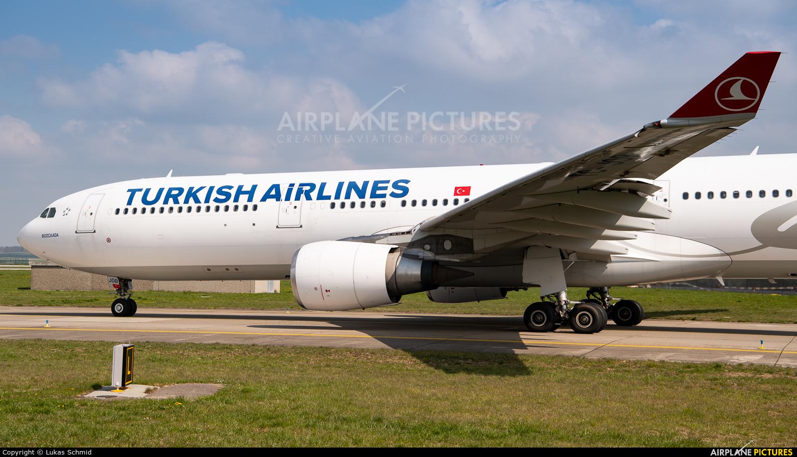 Turkish Airlines TC-JOB aircraft at Zurich
