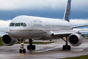 N26123 - United Airlines Boeing 757-200