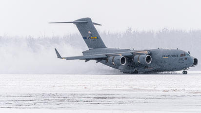 04-4137 - USA - Air Force Boeing C-17A Globemaster III
