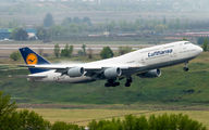Rare visit of Lufthansa 747-8 at Madrid title=