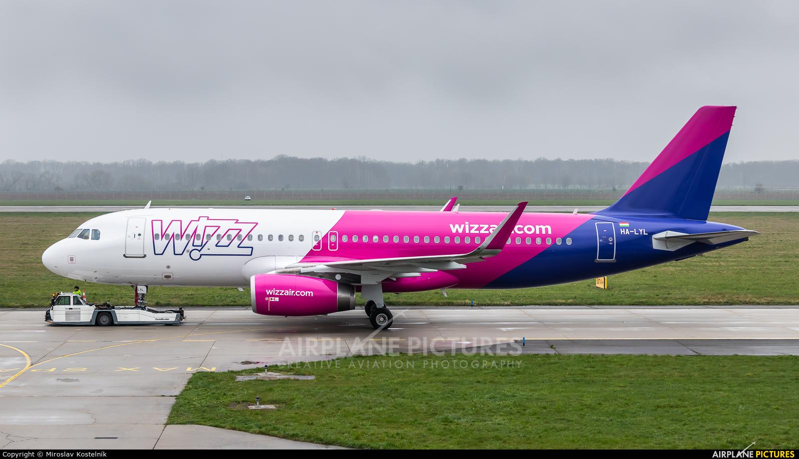 Wizz Air HA-LYL aircraft at Ostrava Mošnov