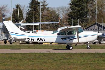 PH-KBT - Private Cessna 182 Skylane RG