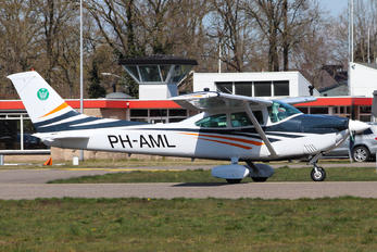 PH-AML - Private Cessna 182 Skylane RG