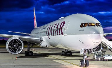 A7-BAZ - Qatar Airways Boeing 777-300ER