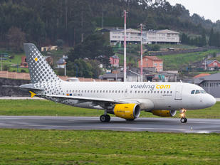 EC-MKX - Vueling Airlines Airbus A319