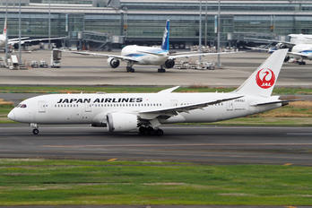 JA831J - JAL - Japan Airlines Boeing 787-8 Dreamliner