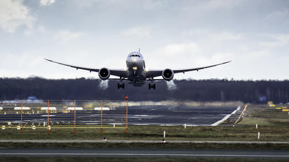 N45956 - United Airlines Boeing 787-9 Dreamliner