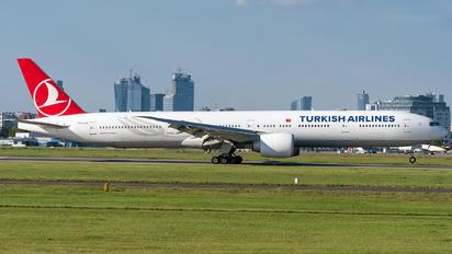TC-LJG - Turkish Airlines Boeing 777-300ER