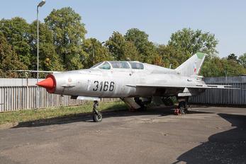3166 - Czech - Air Force Mikoyan-Gurevich MiG-21UM