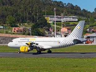EC-MIR - Vueling Airlines Airbus A319