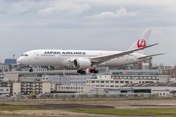 JA849J - JAL - Japan Airlines Boeing 787-8 Dreamliner