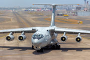 Covid-related visit of Indian AF Il-76 at Mumbai title=