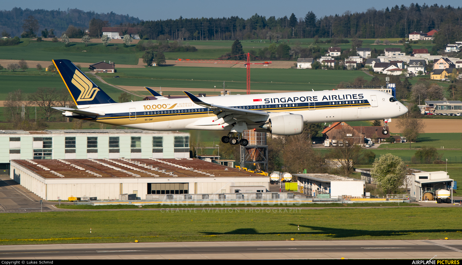 Singapore Airlines 9V-SMF aircraft at Zurich