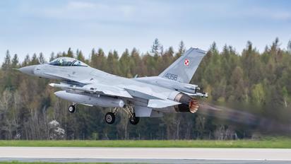 4058 - Poland - Air Force Lockheed Martin F-16C block 52+ Jastrząb