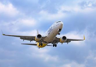 UR-UBB - Bees Airline Boeing 737-800