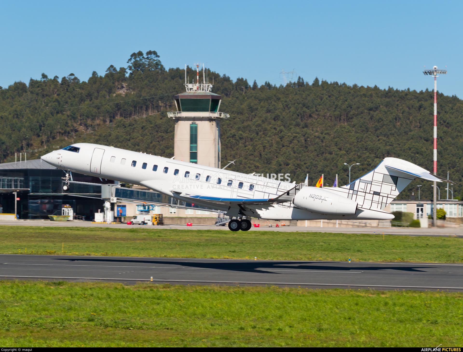 Private N203JE aircraft at La Coruña