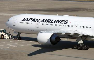 JA741J - JAL - Japan Airlines Boeing 777-300ER