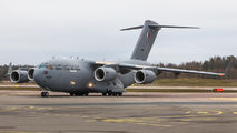 Qatar Air Force Boeing C17 visited Helsinki title=