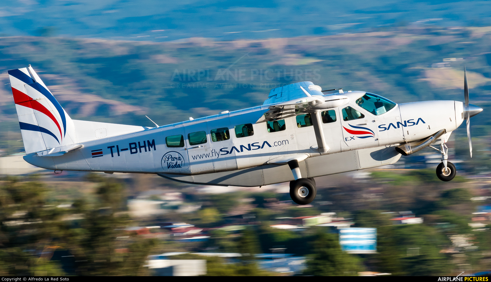 Sansa Airlines TI-BHM aircraft at San Jose - Juan Santamaría Intl
