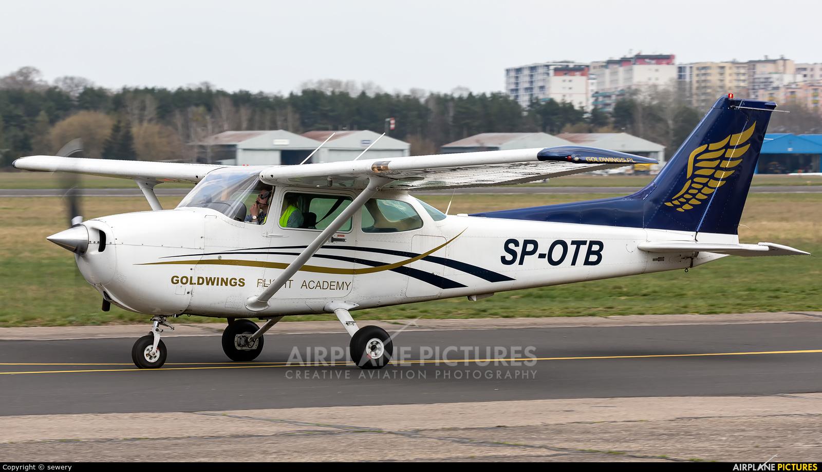 Goldwings Flight Academy SP-OTB aircraft at Warsaw - Babice