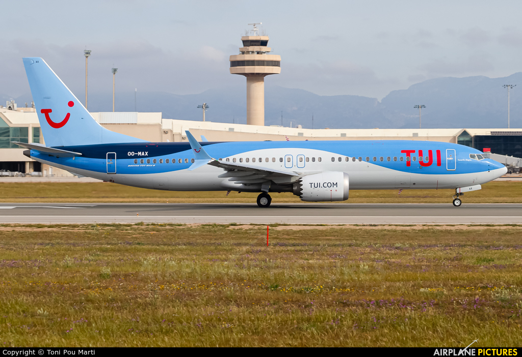 TUI Airlines Belgium OO-MAX aircraft at Palma de Mallorca