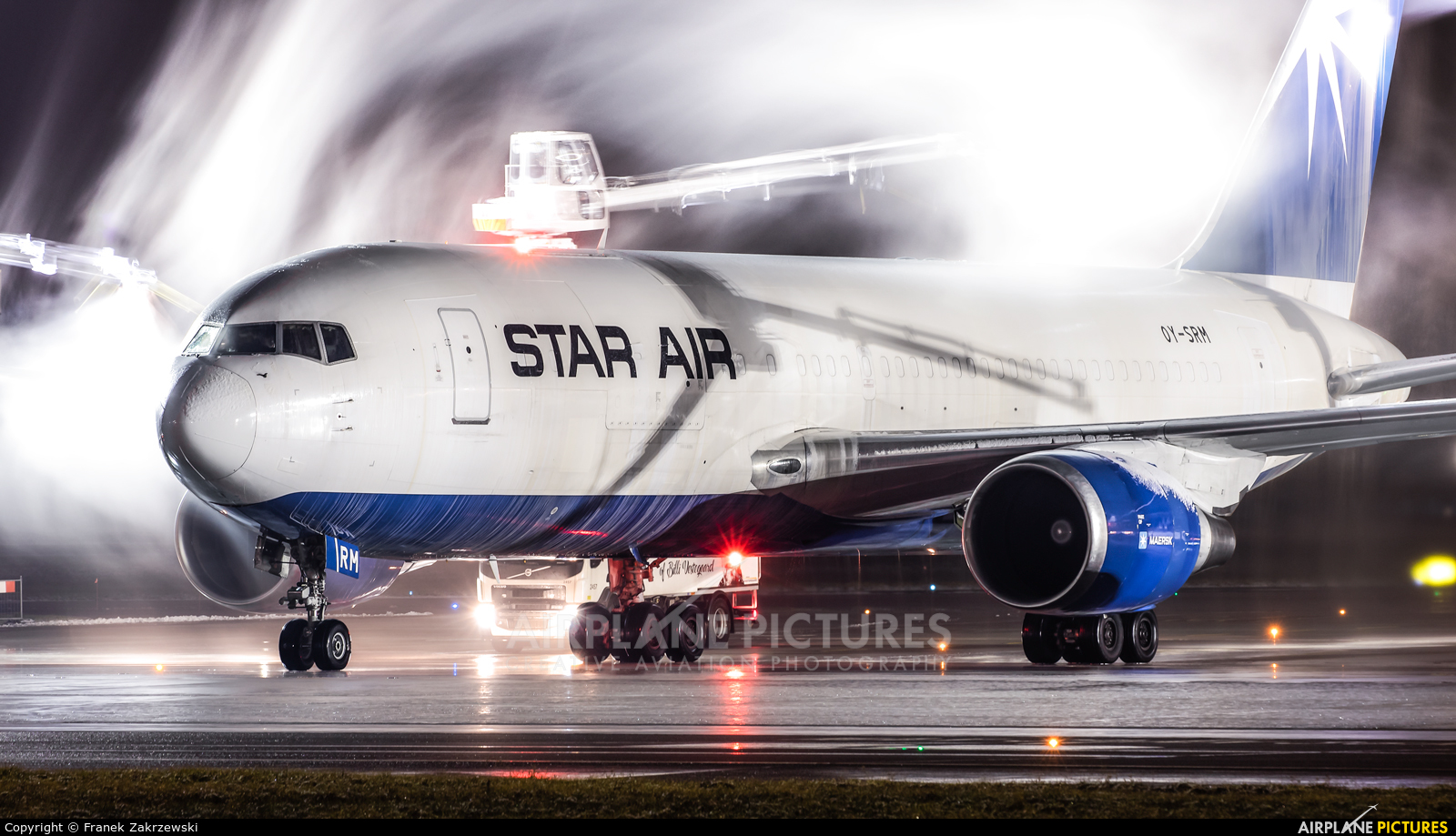 Star Air Freight OY-SRM aircraft at Warsaw - Frederic Chopin