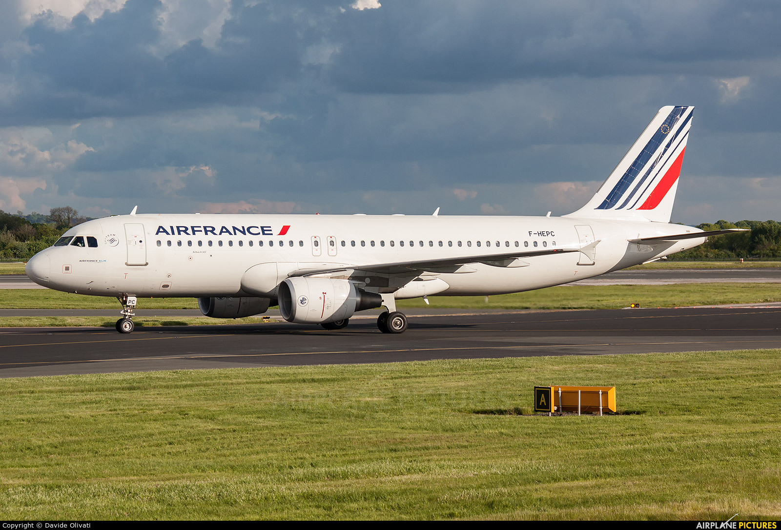 Air France F-HEPC aircraft at Manchester