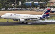 PR-MHW - LATAM Brasil Airbus A320 aircraft