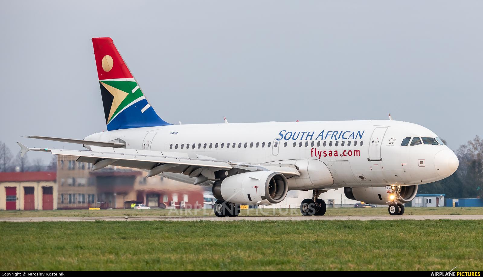 South African Airways 2-SSFG aircraft at Ostrava Mošnov