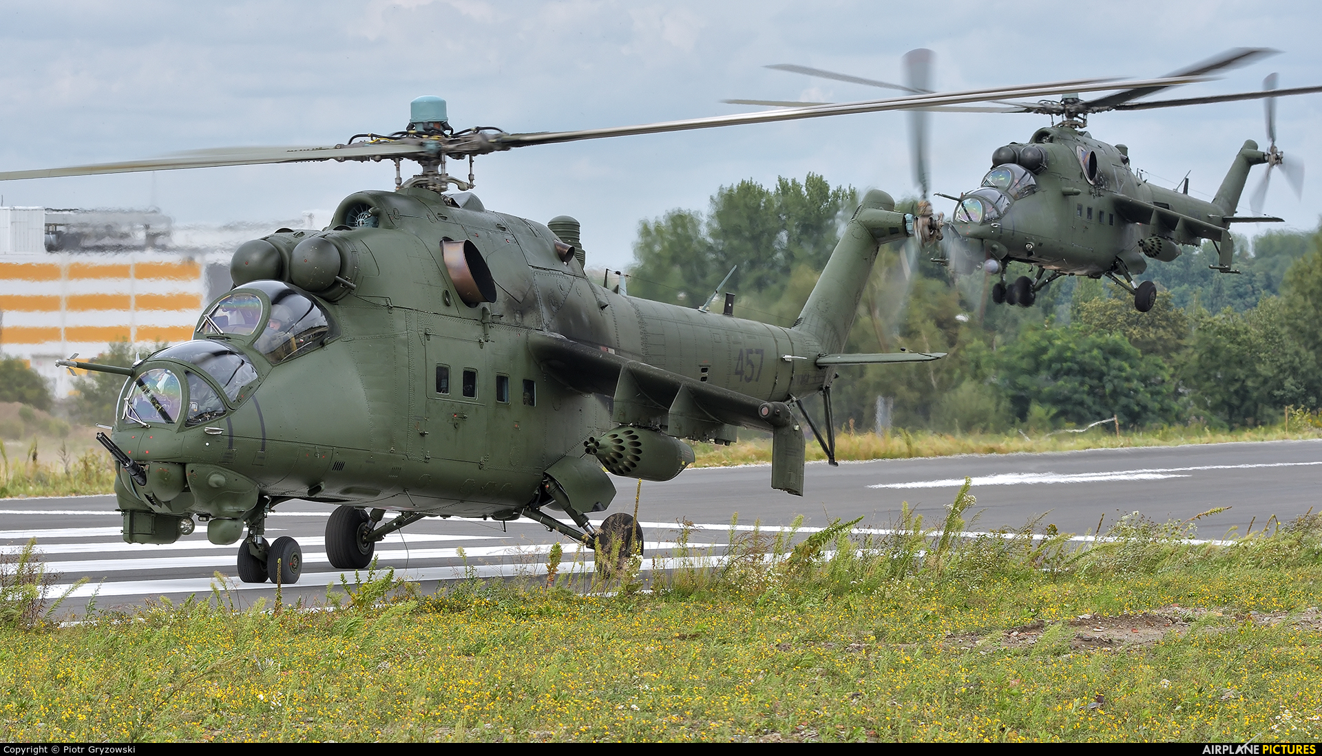 Poland - Army 457 aircraft at Katowice Muchowiec