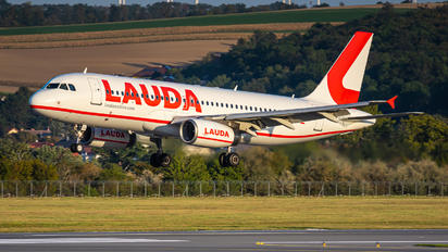 OE-LOW - LaudaMotion Airbus A320