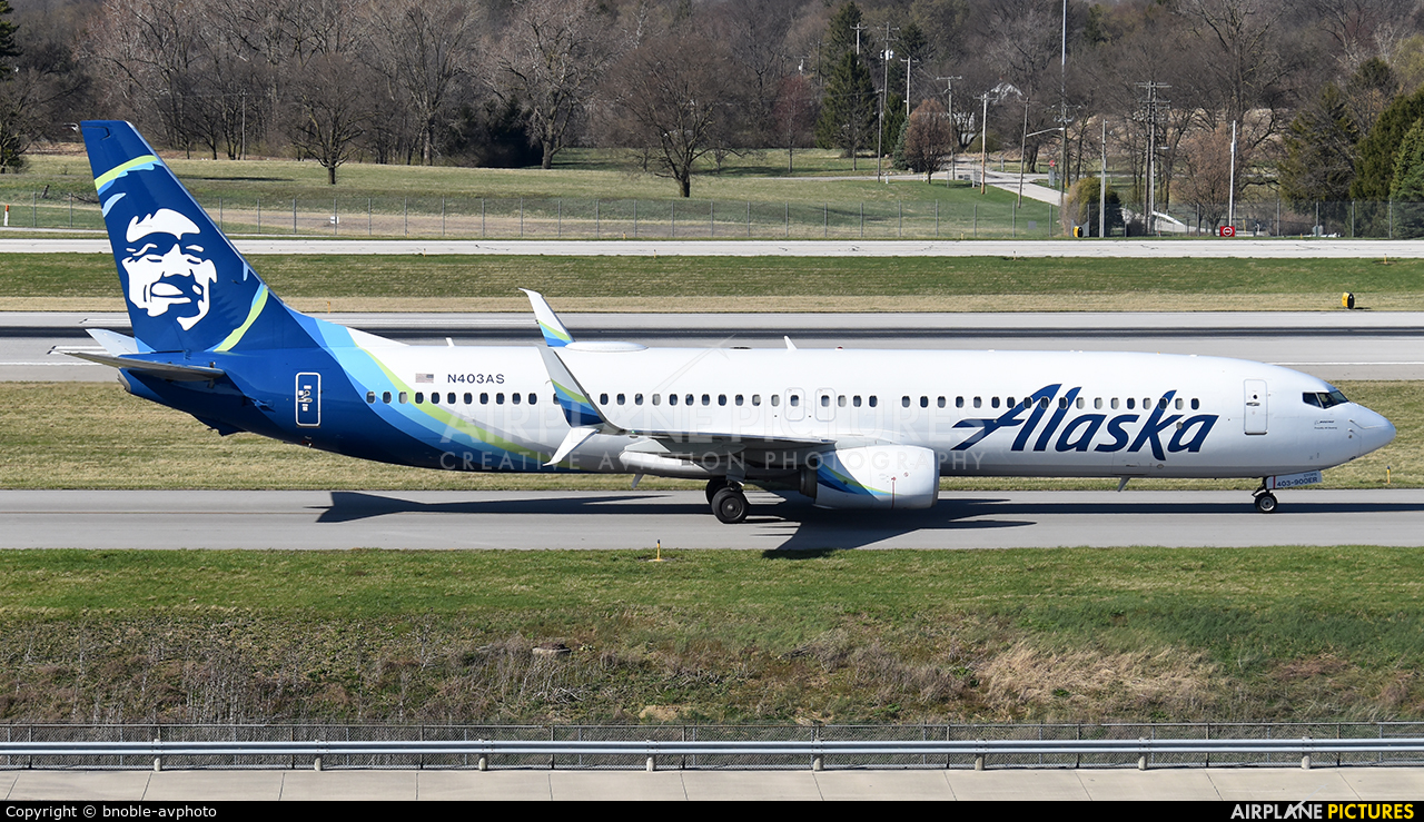 Alaska Airlines N403AS aircraft at Columbus - Port Columbus Intl