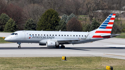 N105HQ - American Eagle Embraer ERJ-175 (170-200)