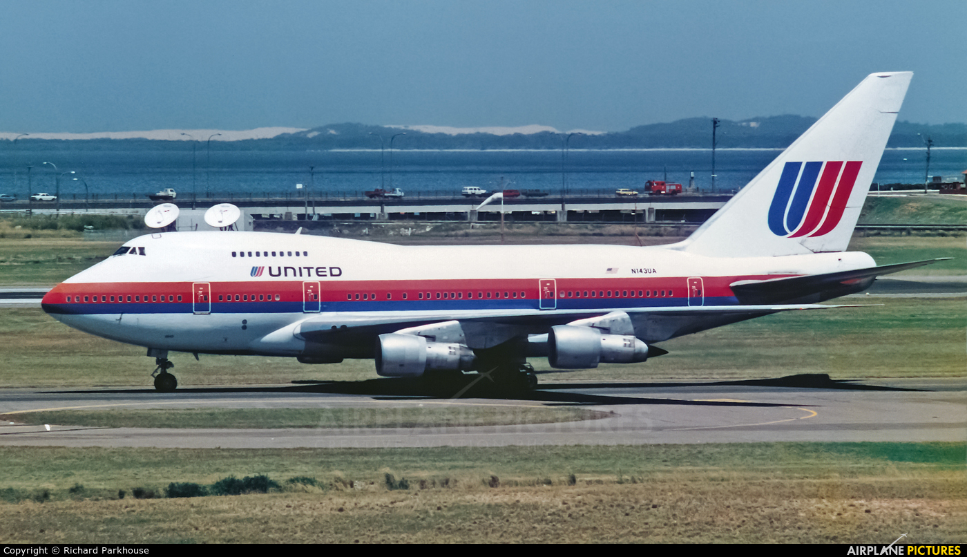 United Airlines N143UA aircraft at Sydney - Kingsford Smith Intl, NSW