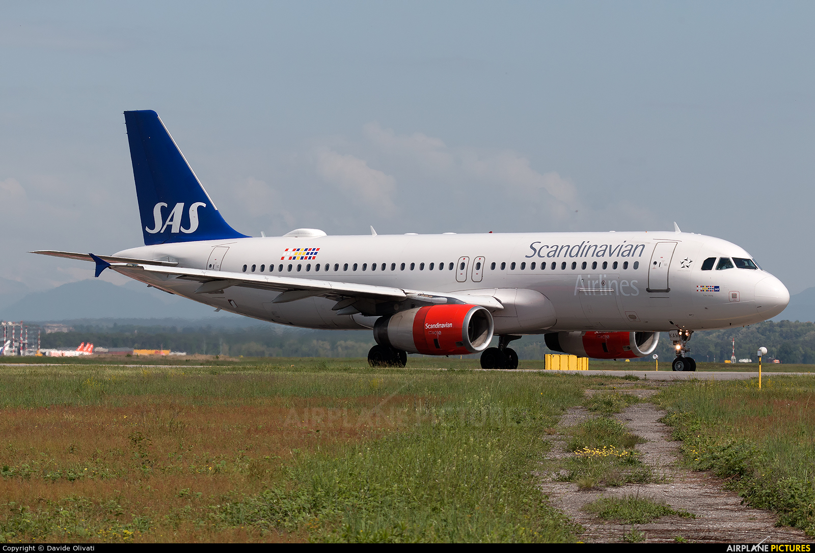 SAS - Scandinavian Airlines OY-KAW aircraft at Milan - Malpensa