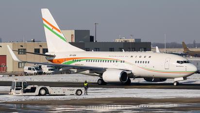5U-GRN - Niger - Government Boeing 737-700 BBJ