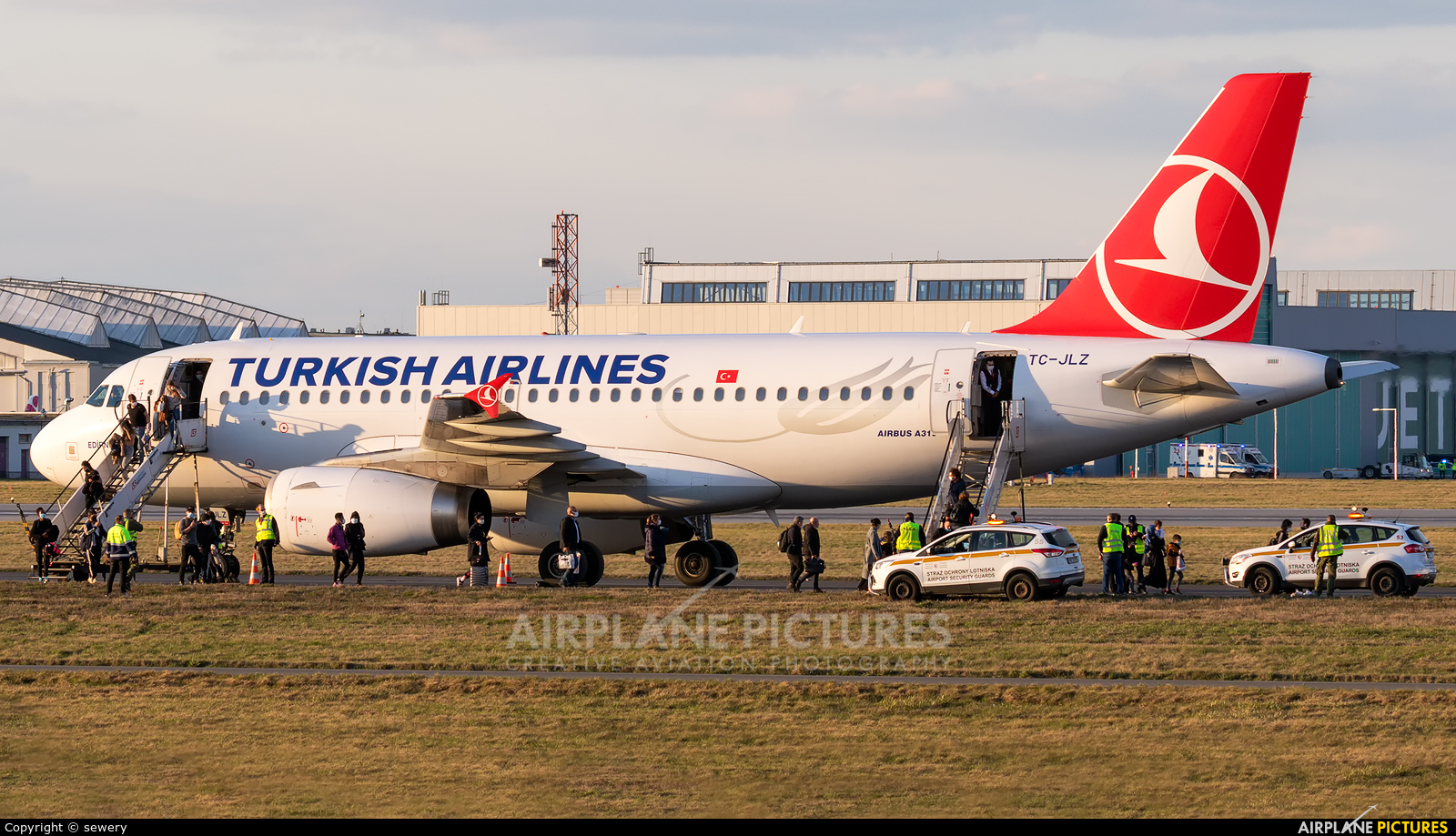 Turkish Airlines TC-JLZ aircraft at Warsaw - Frederic Chopin