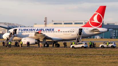 TC-JLZ - Turkish Airlines Airbus A319