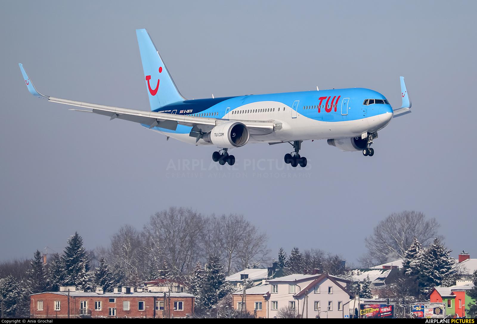 TUI Airways G-OBYH aircraft at Warsaw - Frederic Chopin