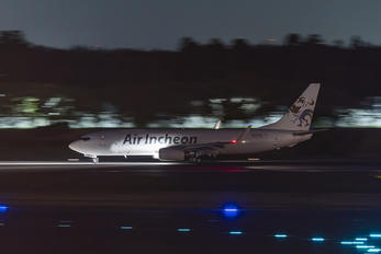 HL8338 - Air Incheon Boeing 737-86J
