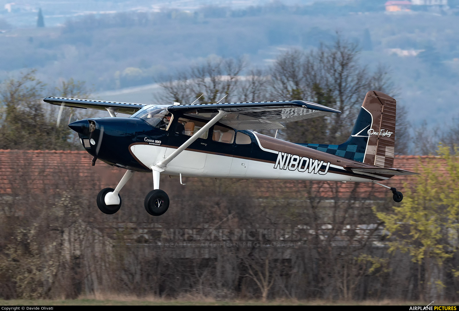 Private N180WJ aircraft at Verona - Boscomantico