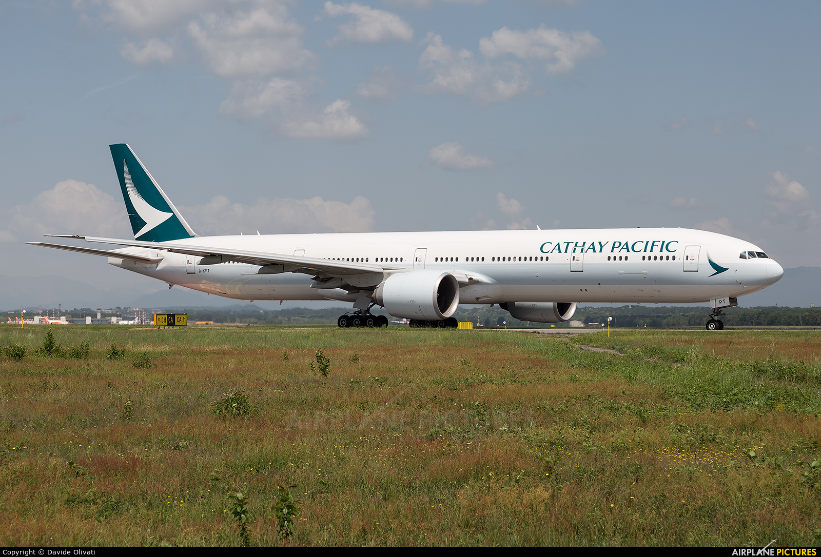 Cathay Pacific B-KPT aircraft at Milan - Malpensa