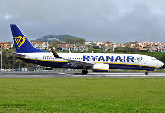 EI-GXM - Ryanair Boeing 737-8AS