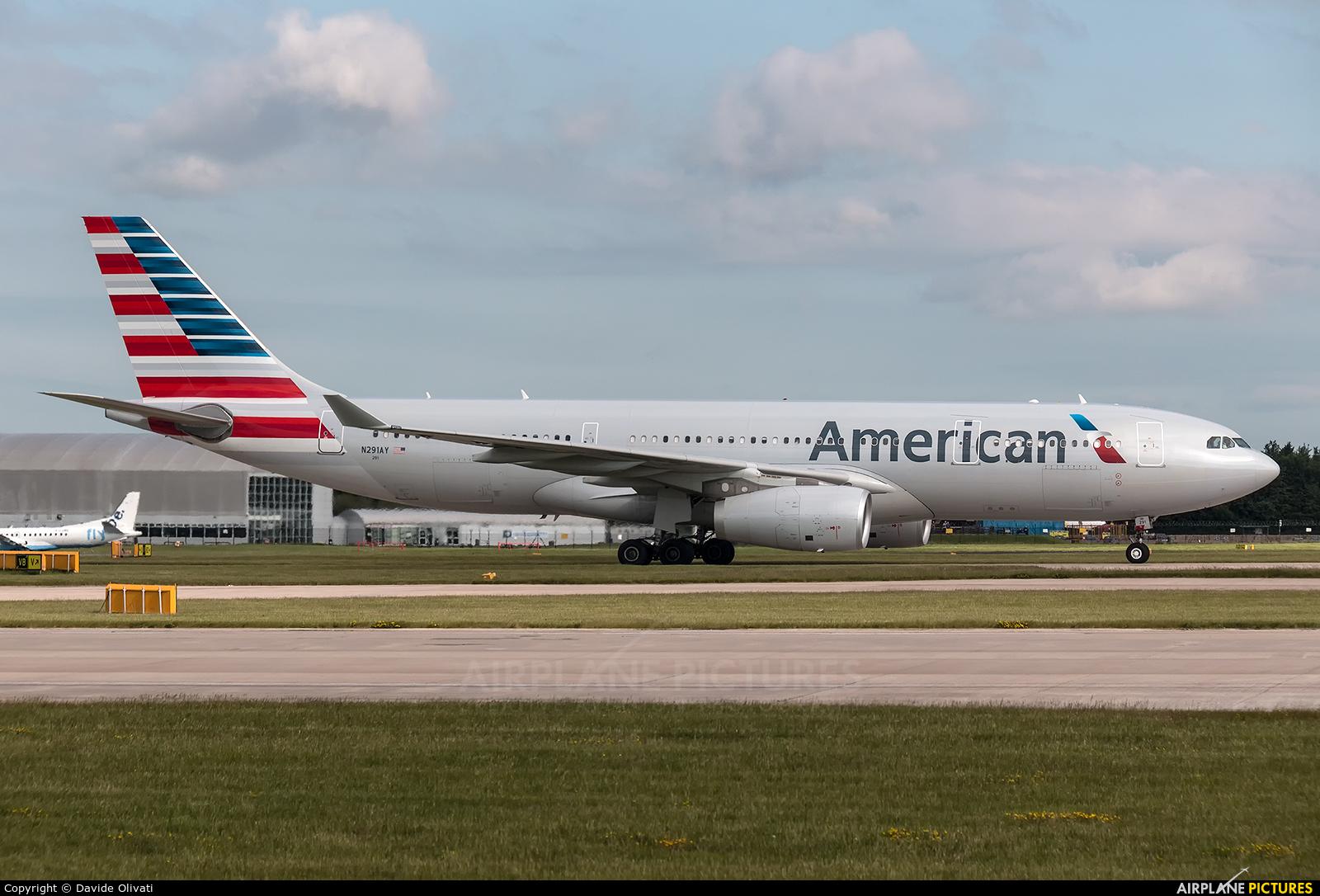 American Airlines N291AY aircraft at Manchester
