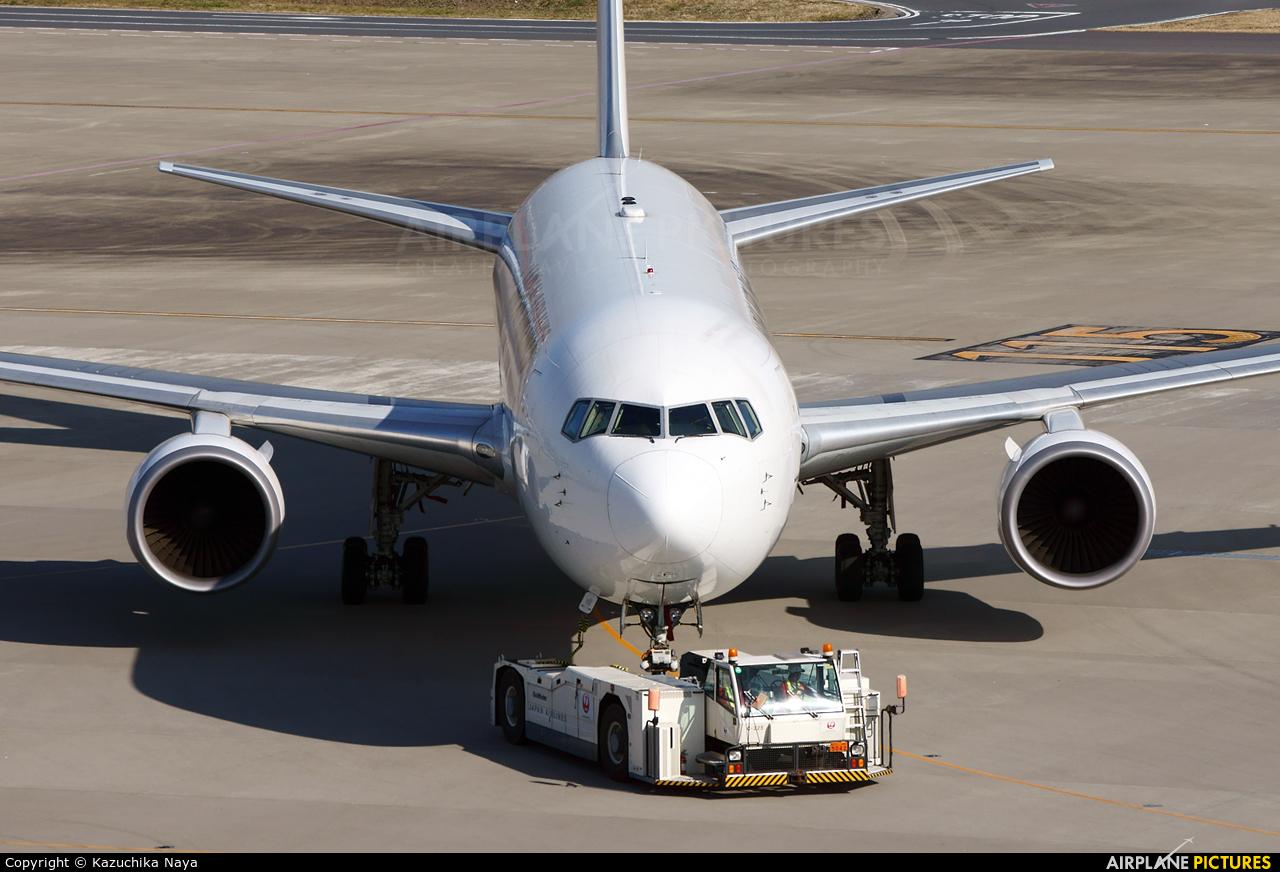 JAL - Japan Airlines JA654J aircraft at Tokyo - Haneda Intl