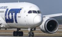 SP-LRE - LOT - Polish Airlines Boeing 787-8 Dreamliner aircraft