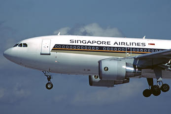 9V-STA - Singapore Airlines Airbus A310